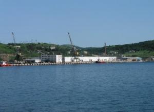 투자자는 자루 비노 항구를 확장하기 시작했다.