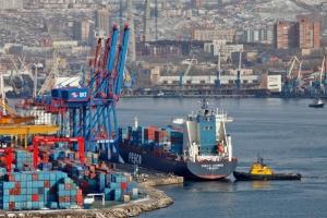 符拉迪沃斯托克港吸引了货物