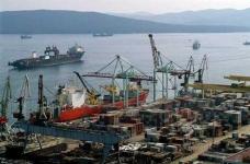 Overeenkomst inzake de ontwikkeling van corridors vervoer tussen China en het Verre Oosten havens in december 2015 jaar worden ondertekend