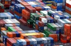 Rosfinnadzor navrhla zákaz platby v cizí měně pro přepravu a tranzitu zboží